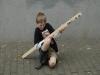 Nils ist begeistert von seinem Instrument.